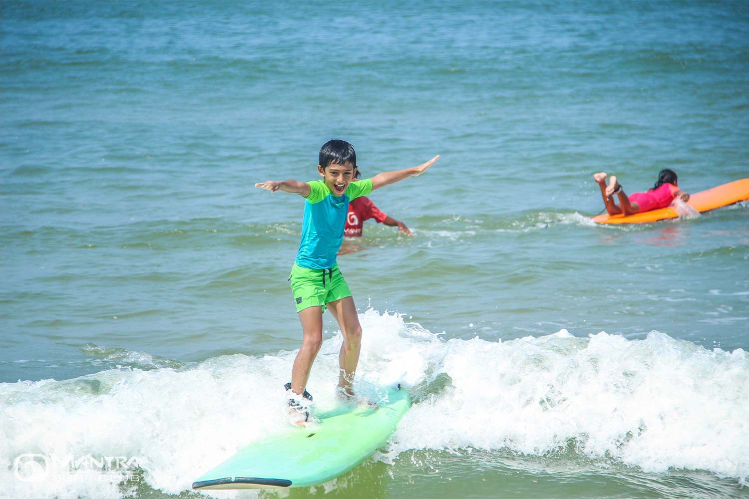 Surfing India - Mantra Surf Club - Surf Course