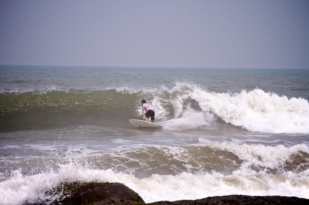 Jonty rips a tide at Covelong Point Surf Contest